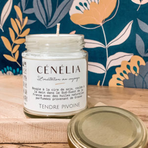 Bougie parfumée naturelle Cénélia - Tendre Pivoine