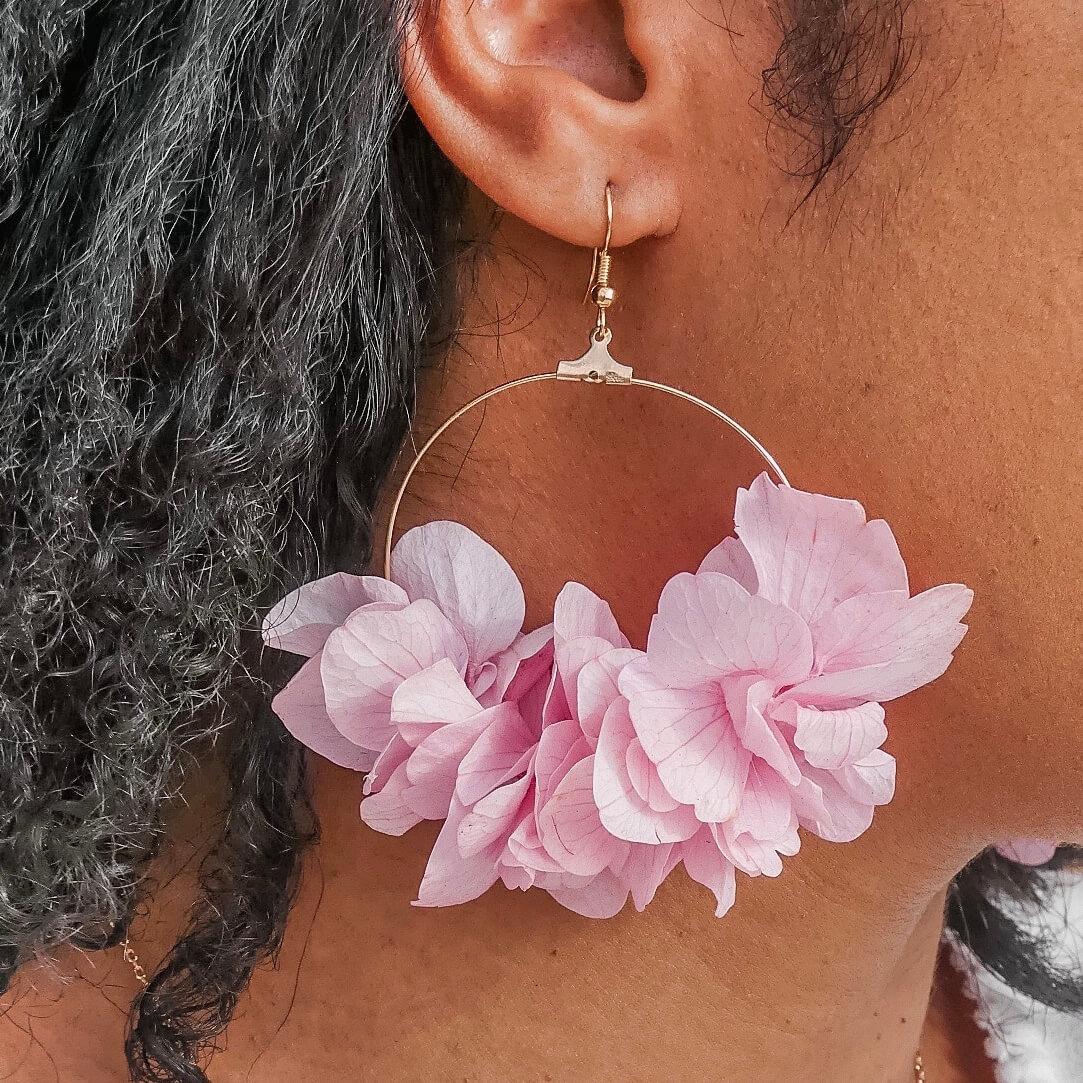 Cénélia - boucles d oreilles fleuries - bijoux fleurs Martinique