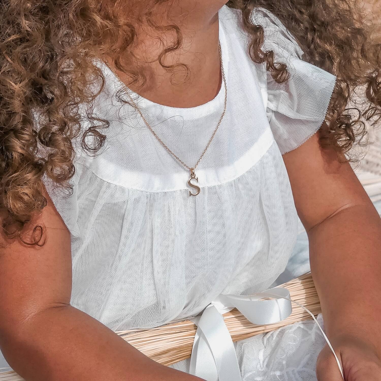 Collier initiale - bijou lettre cadeau enfant - Cénélia Martinique