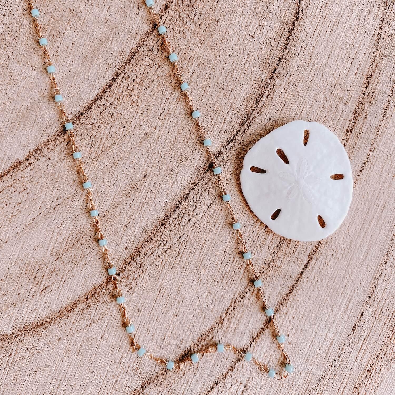 Sautoir Jana - Collier perles bleu clair long fin femme Martinique - Cénélia.jpg