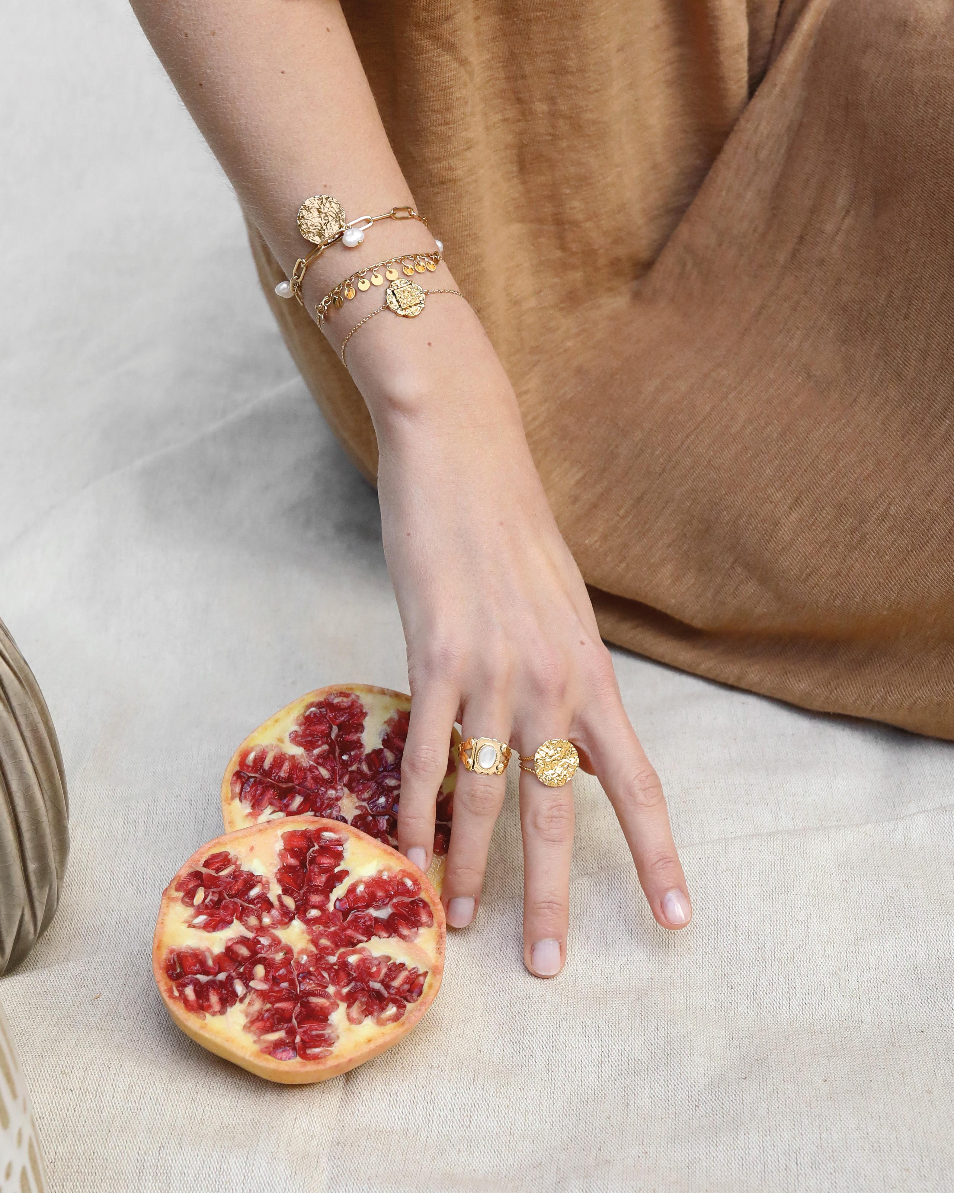 bijou médaille tendance   bijoux dorés mode   Cénélia