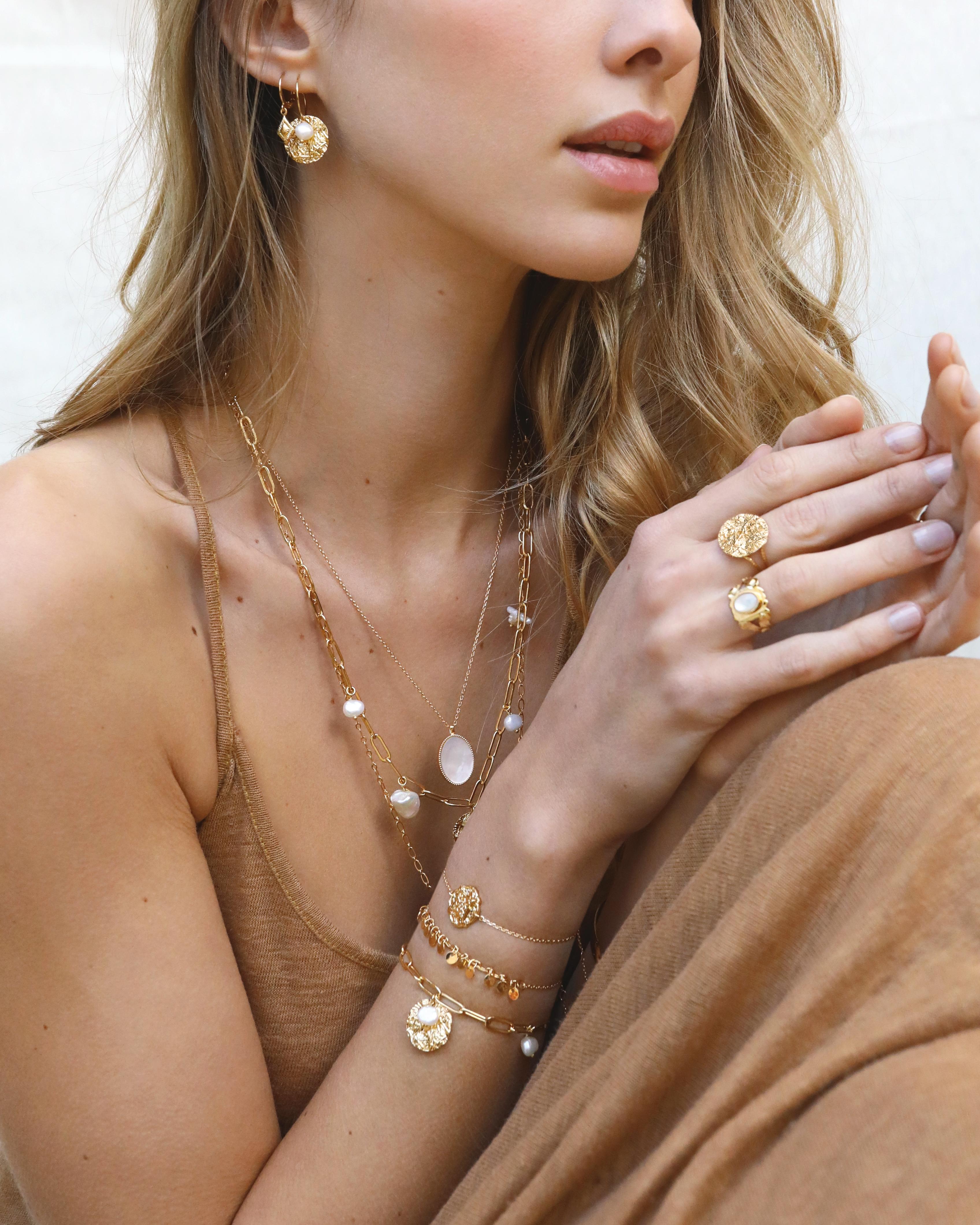 bijoux médaille   bijou doré tendance   Cénélia