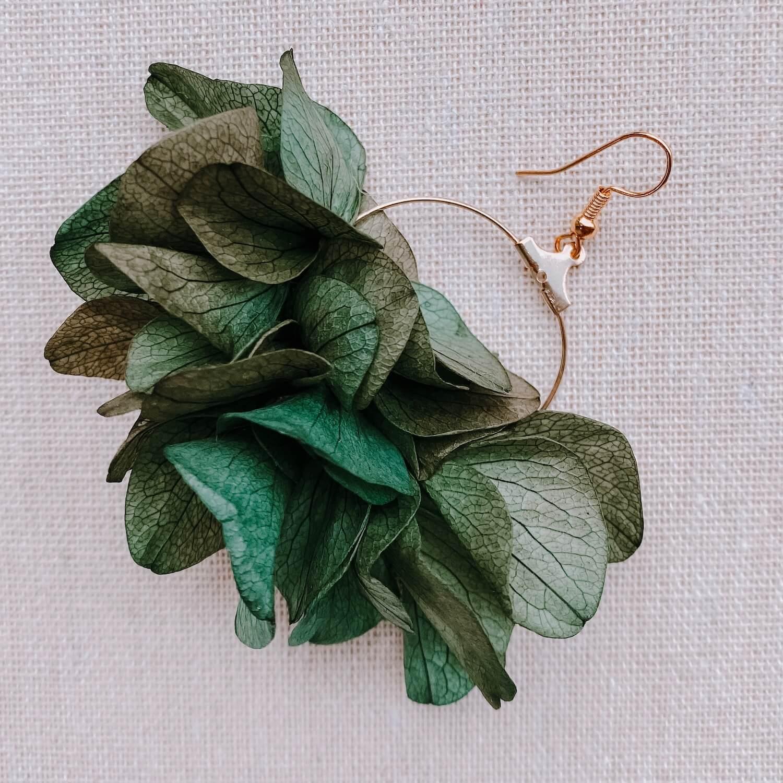 boucles Balata - boucles d oreilles avec fleurs hortensia - Cénélia Martinique