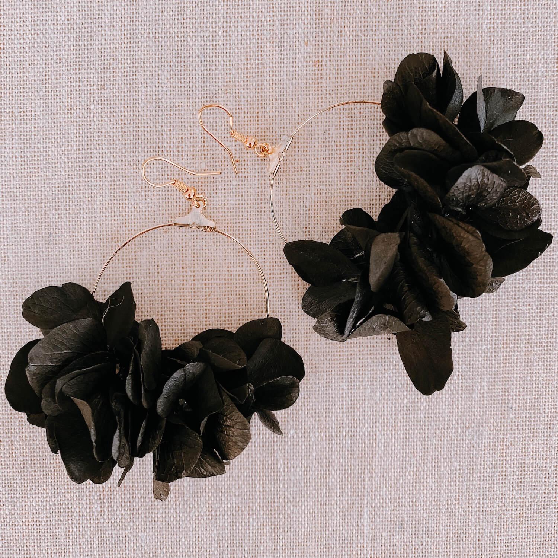 boucles Cubagua - créoles boucles d oreille hortensia stabilisé Cénélia Martinique
