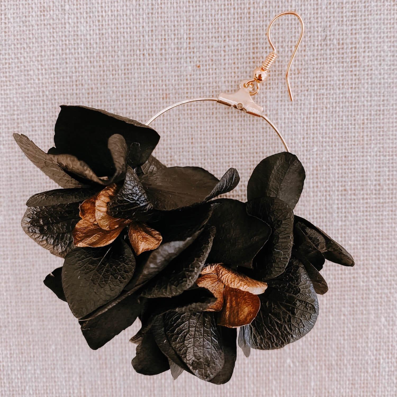 boucles La Orchila - boucles d oreilles hortensia fleur stabilisée - Cénélia Martinique