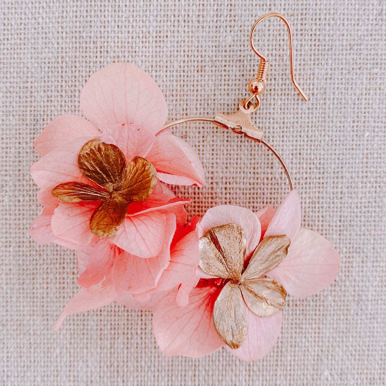 boucles Redonda - boucles d oreilles avec fleurs Cénélia Martinique