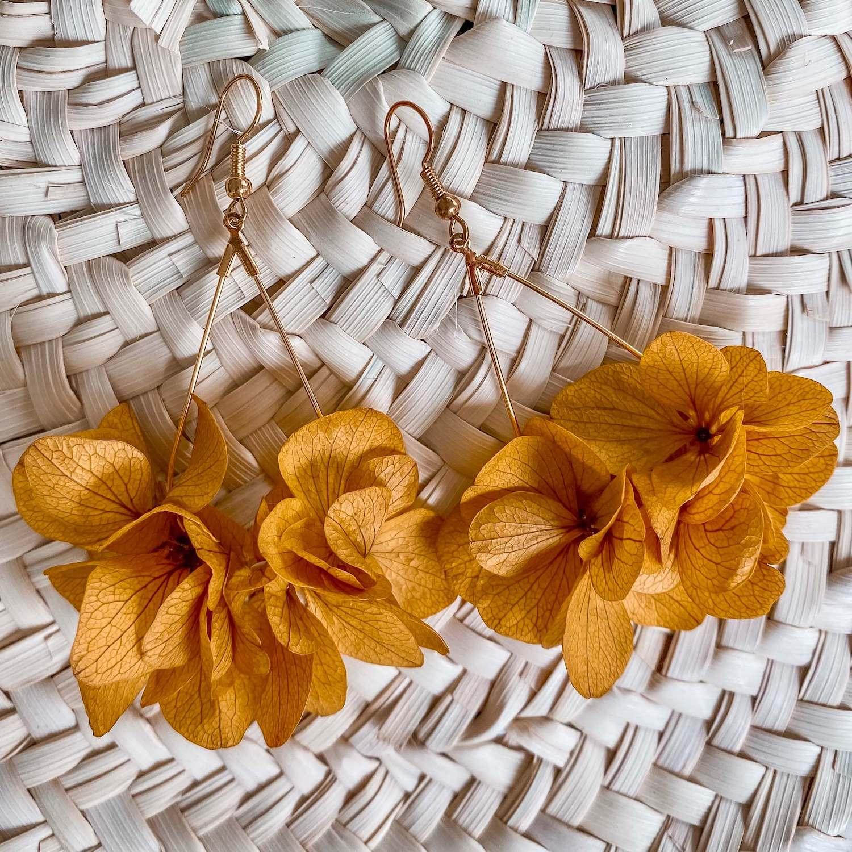 boucles d'oreilles en fleurs éternelles bijoux Cénélia - Macouria