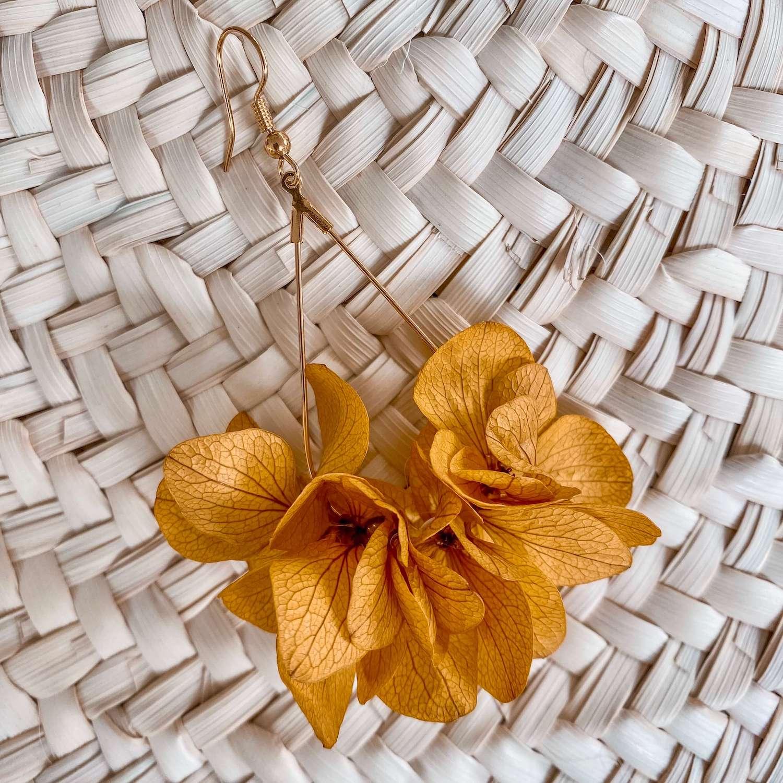boucles d'oreilles en fleurs éternelles bijoux fleurs Cénélia - Macouria