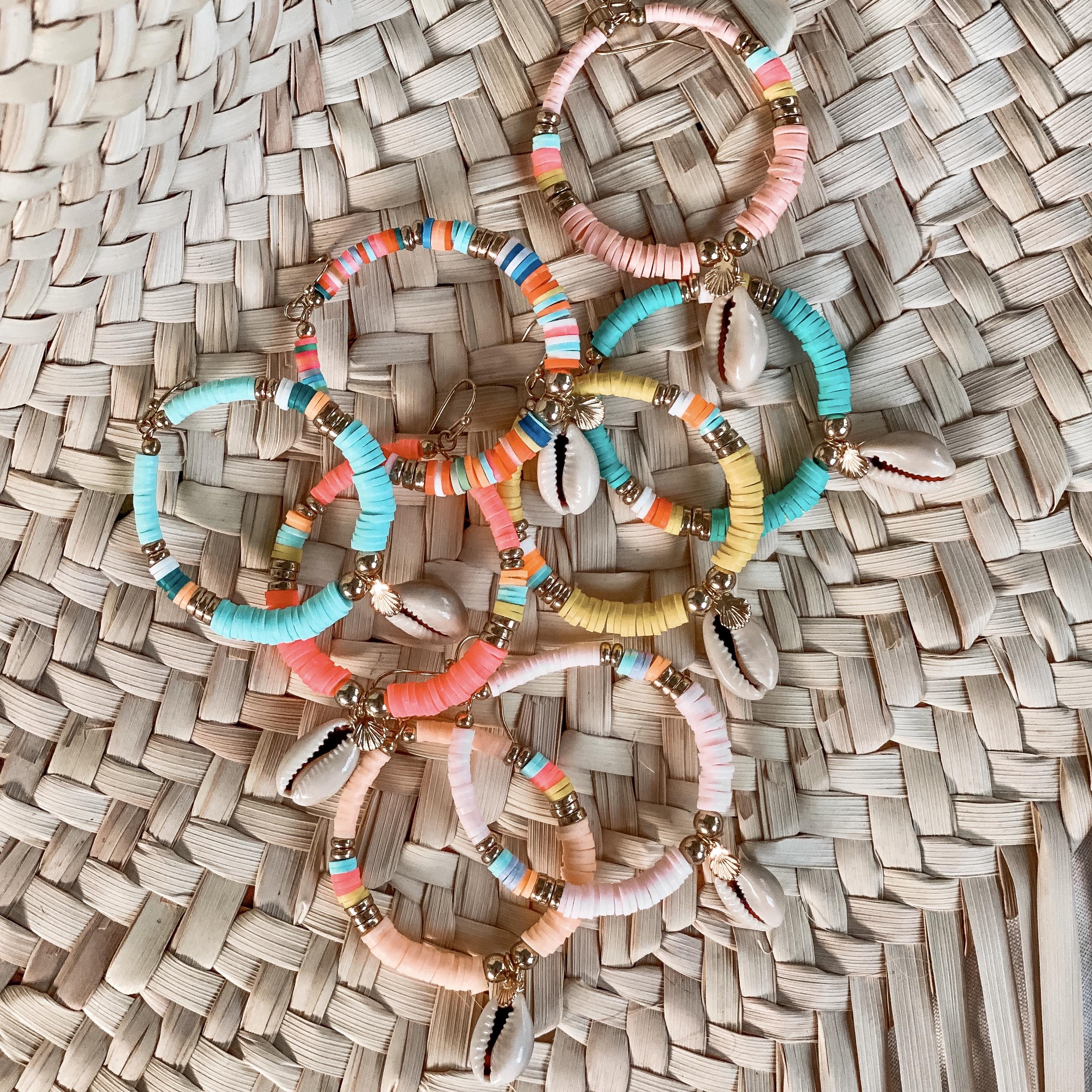 boucles d'oreilles perles heishi Cénélia   boucle d'oreille plage colorée