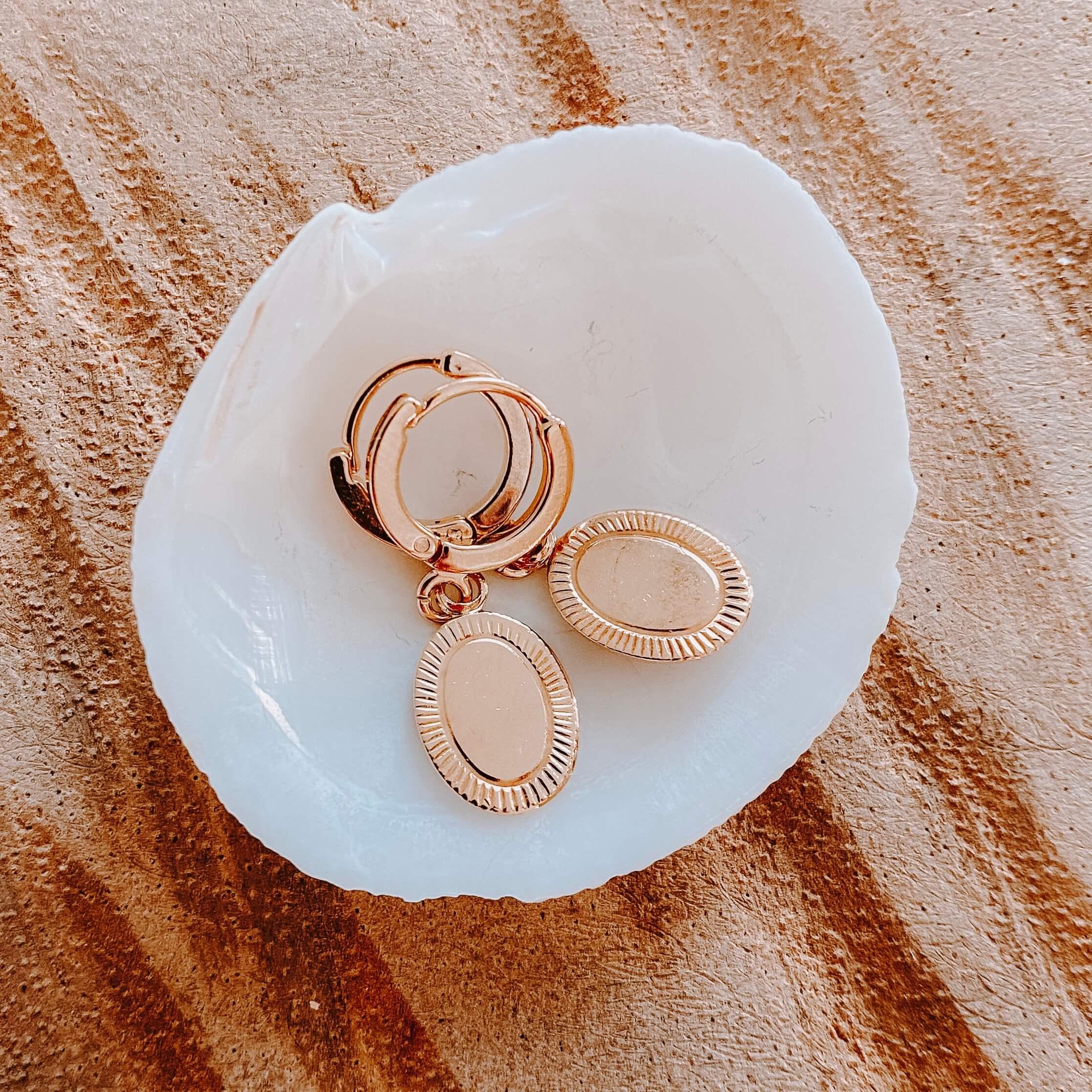 boucles dormeuses médaillon ovale Cénélia - Cléa