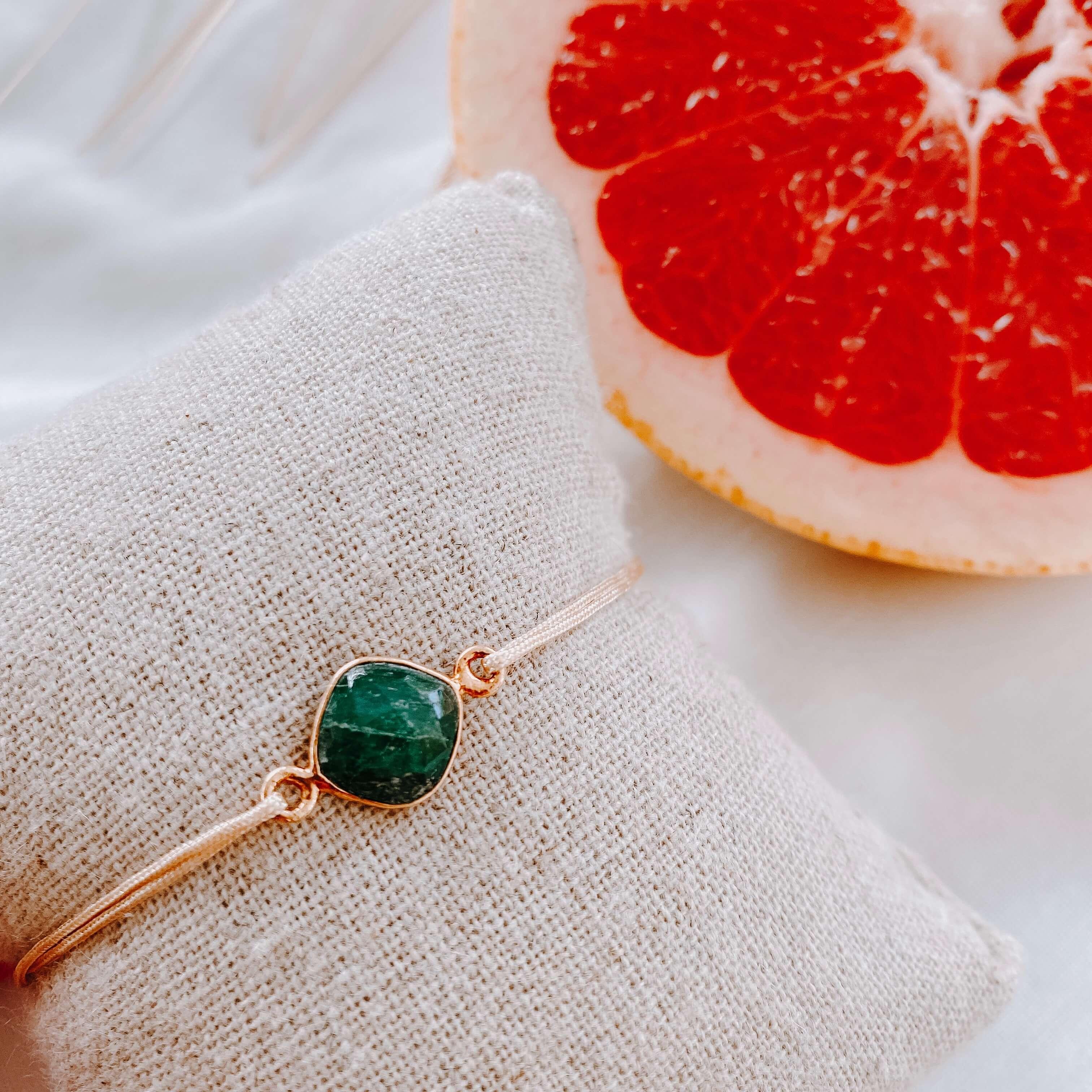 bracelet pierre sur cordon - quartz émeraude - Cénélia