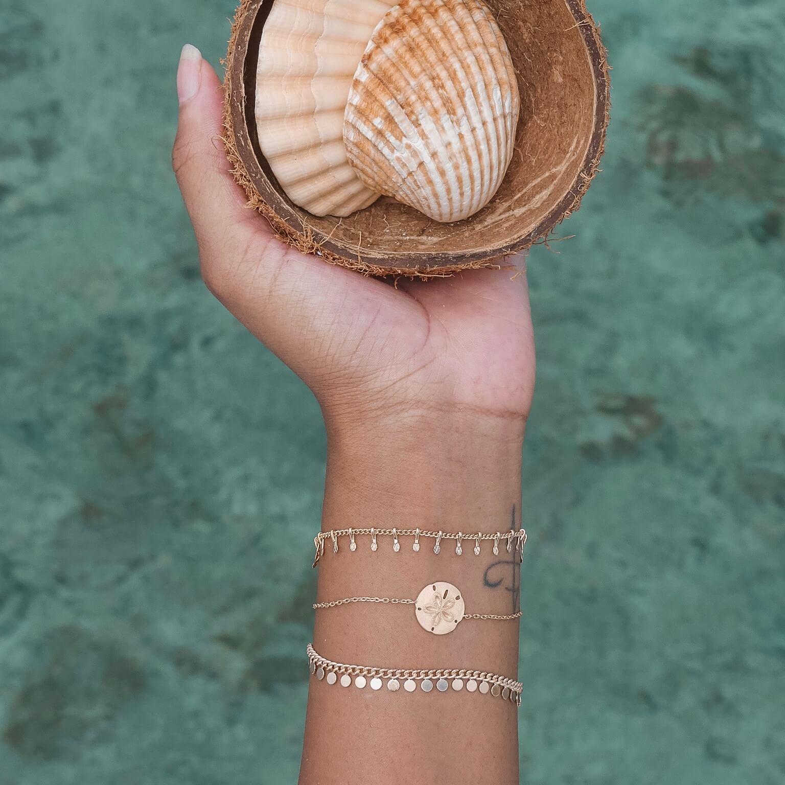 bracelet tendance doré - Bracelets Cénélia Martinique - Bijoux mode antilles femme