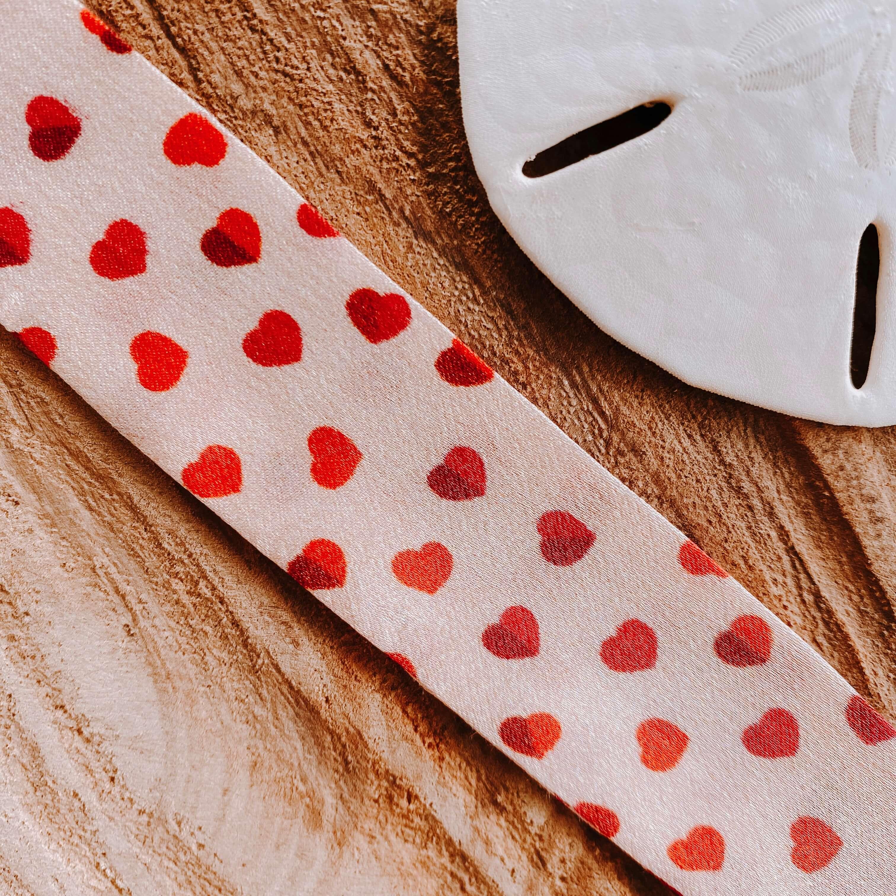 bracelets en soie coeurs rouges - Cénélia - Sinnamary