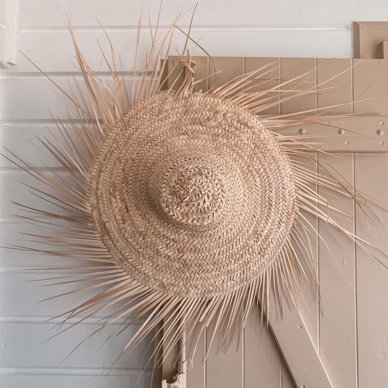 chapeau de paille à franges - Décoration Martinique Cénélia