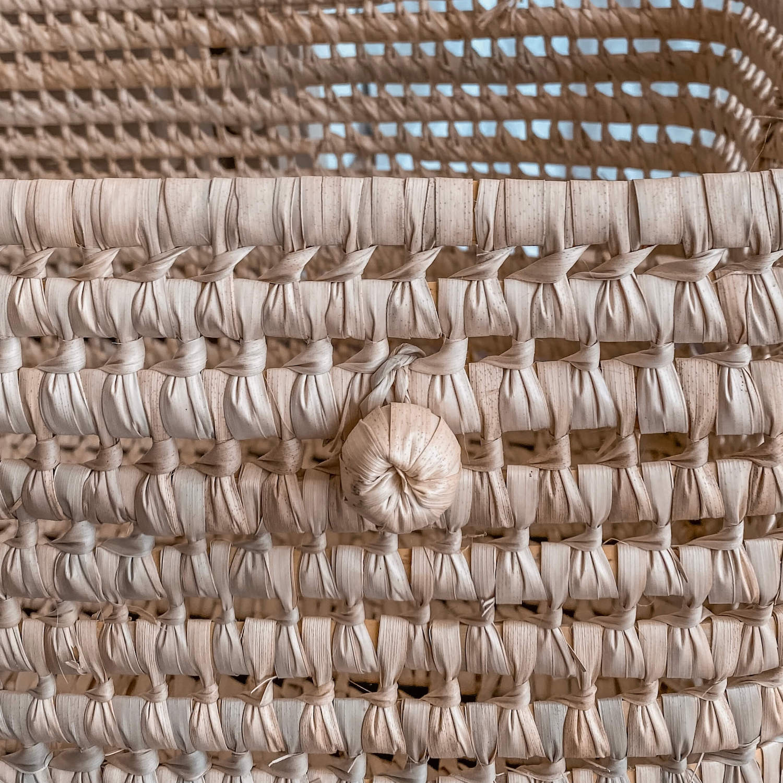 coffre de rangement en feuilles de palmier tressées - boutique de décoration martinique Cénélia